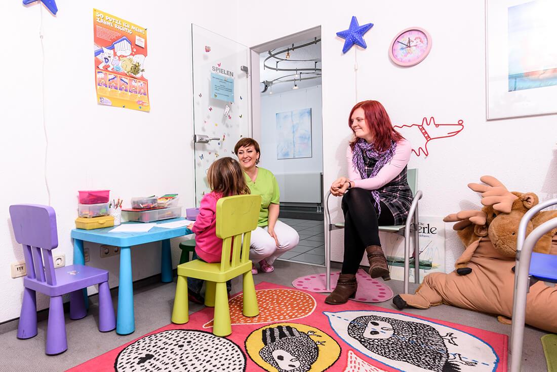 Zahnärztin Duisburg – Andrea Paris – Praxis Kinder